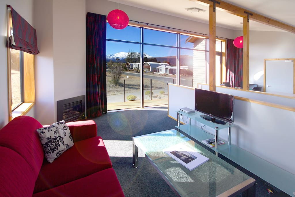 Parkview Apartments lounge with Tongariro National Park views.