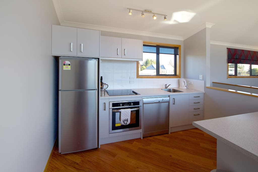 Fitted Kitchen For Catering For Rent
