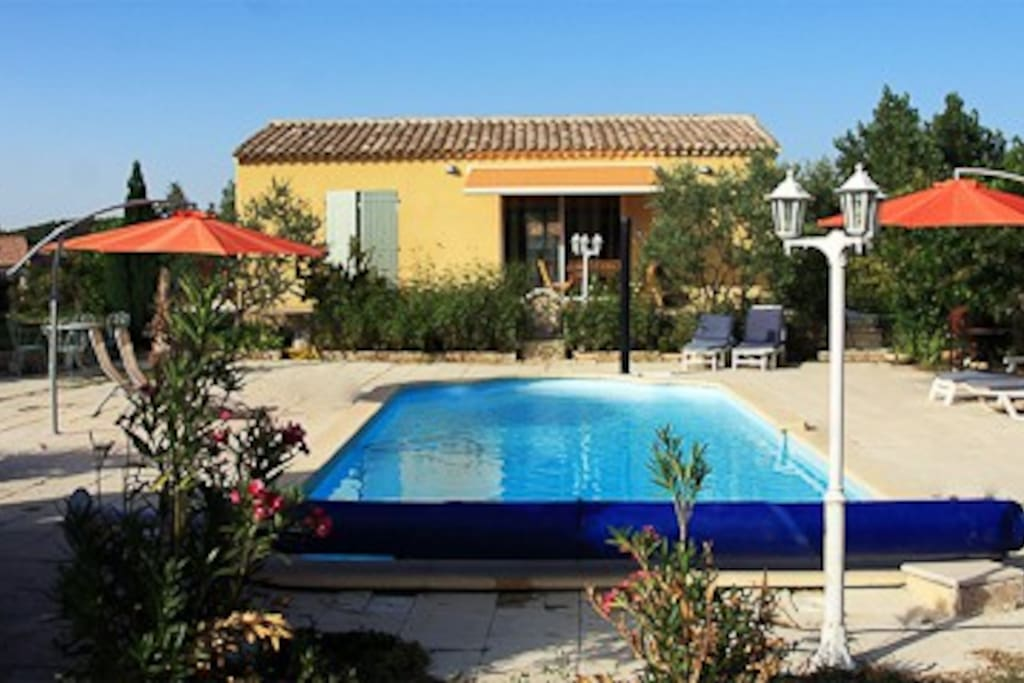 Gite prochaix en provence marseille houses for rent in for Piscine cabries