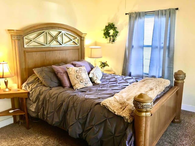 Perfectly cozy location 1/2 mile to downtown.
