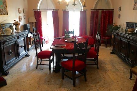 Magic Aunt Withes' apartment - Caivano