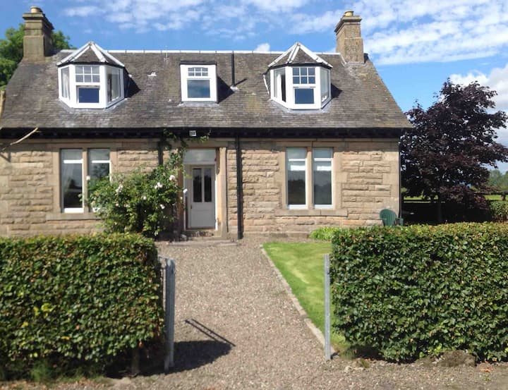 Beautiful country house, Bankend Holiday House