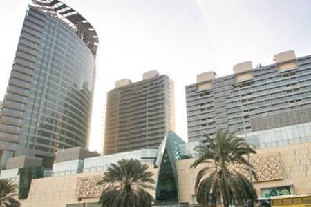 UAE Travel - Dubai - Bed & Breakfast