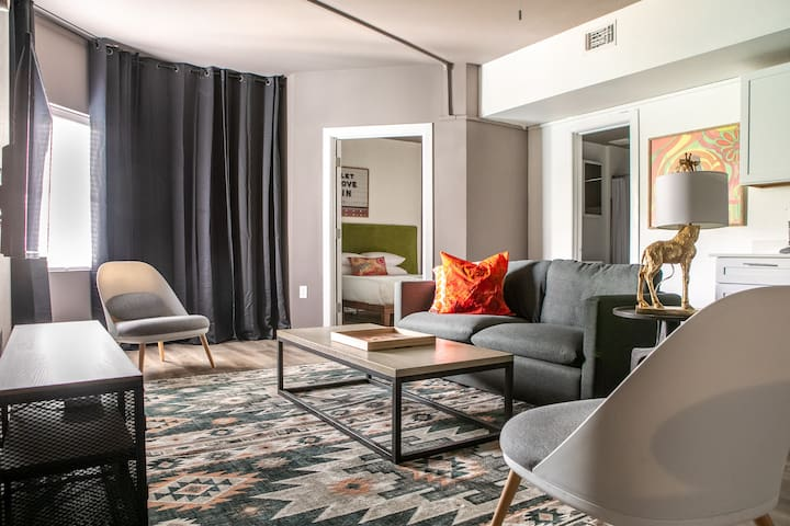 Chic 3BR Apt in West Campus #303 by WanderJaunt