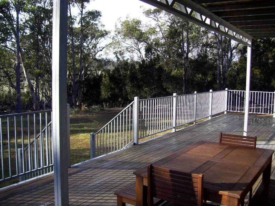 Deck dining, BBQ and animal viewing