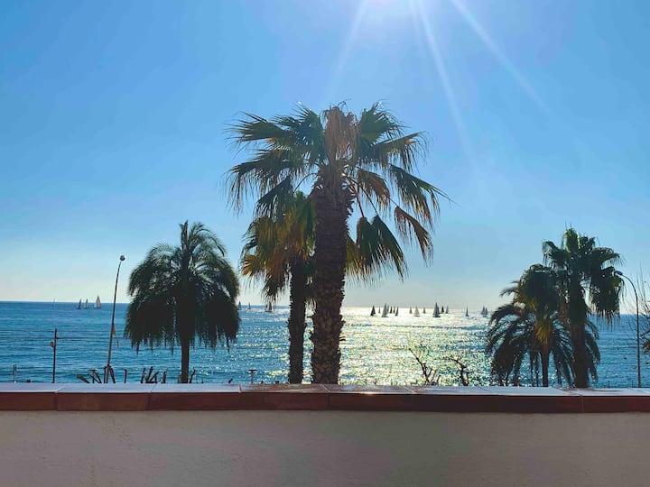 SEASIDE HOUSE 1' to the Beach & 20' to Barcelona
