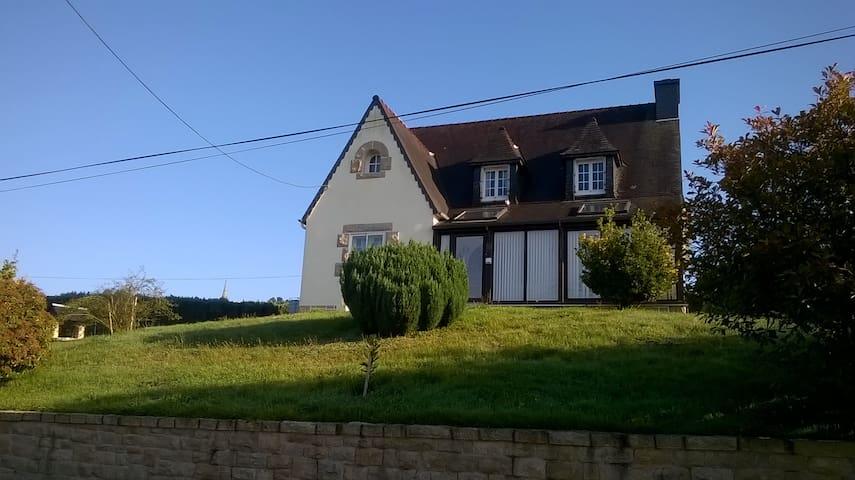 Maison bretonne KER NEVEZ - Plounérin - Oda + Kahvaltı
