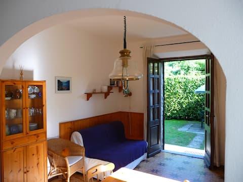 Квартира с частным садом ! Интернет Wi-Fi !
