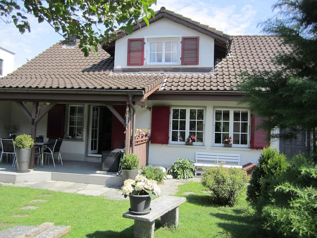 "OTIUM-SONNENBLUME ""Cosy garden studio near Lucerne"