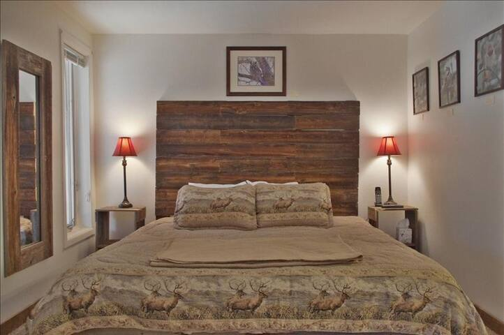 One Bedroom Jacuzzi Suite In Newly Refurbished Historic Lodge. - Green Mountain Falls - Annat