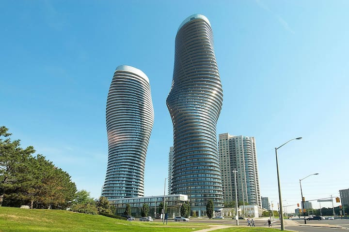 60 Absolute Ave 3 BED Apt near Square One for Rent - Mississauga - Condominium