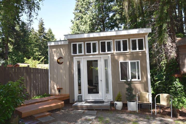Cozy rustic tiny studio
