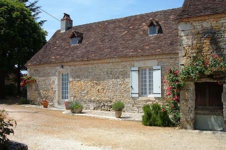 Gîte Le Portail - Tourtoirac - Haus