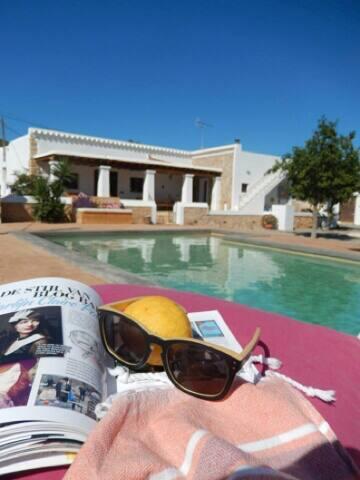 Romantic luxurious Guesthouse - Santa Eulària des Riu - Bed & Breakfast