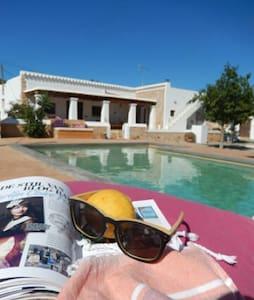 Romantic luxurious Guesthouse - Santa Eulària des Riu