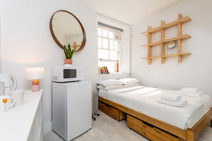 Beautiful pied-a-terre to explore London