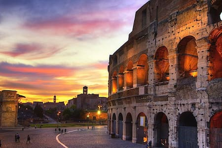 THE COLOSSEUM'S SUNSET