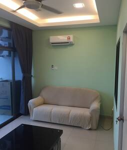 New & Quiet 1BR @ Palazio Apt in the Heart of JB - Apartment
