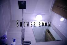 シャンプー, ボディソープ備え付け/We have shampoo, and body shower.