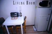 冷蔵庫、電子レンジ/refrigerator & microwave ove