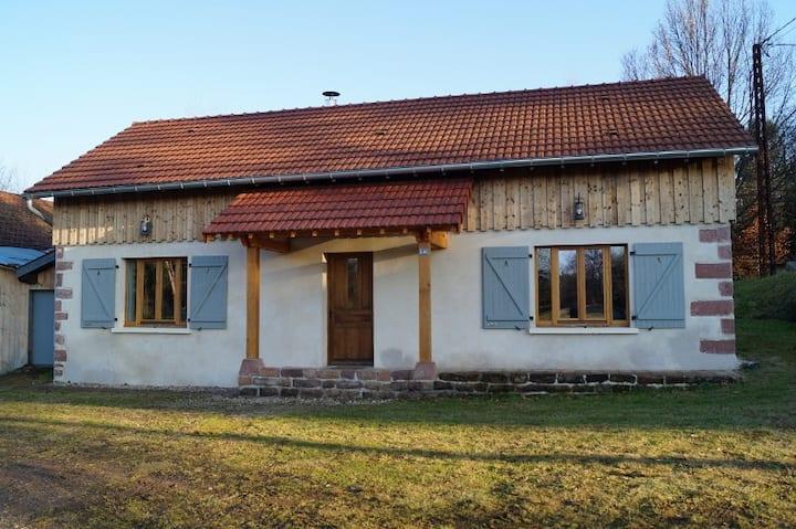Gîte des Annailles, location maison avec étang