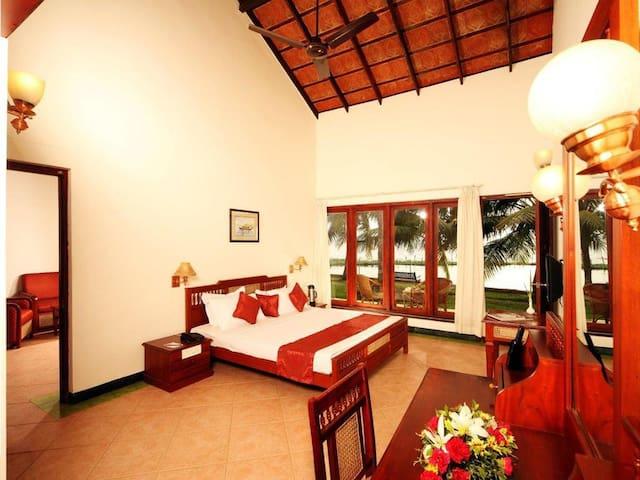 Bamboo Villa with pool at Kumarakom
