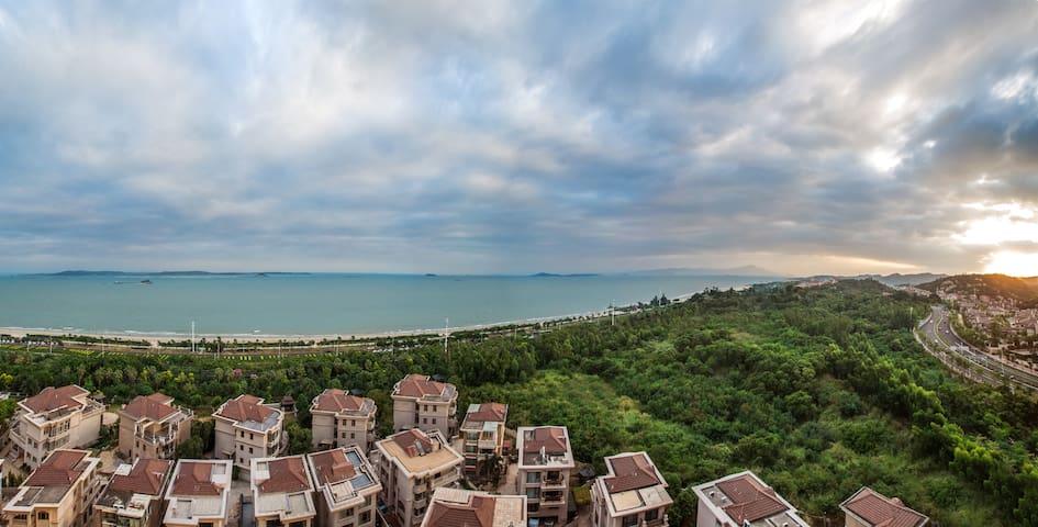 厦门会展中心超级无敌海景房,遥望台湾金门岛