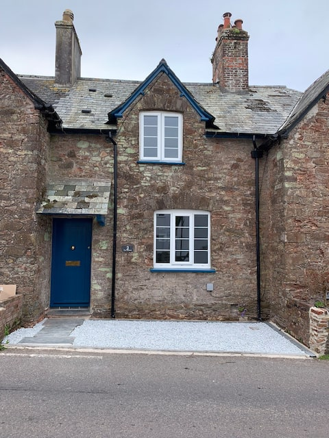 Pickle's cottage, Cornwall's secret. Crafthole