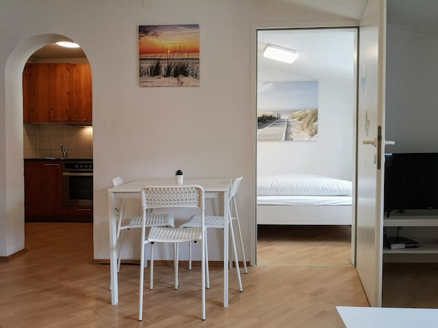 Old Town City Center Lux Apartment - quiet street!