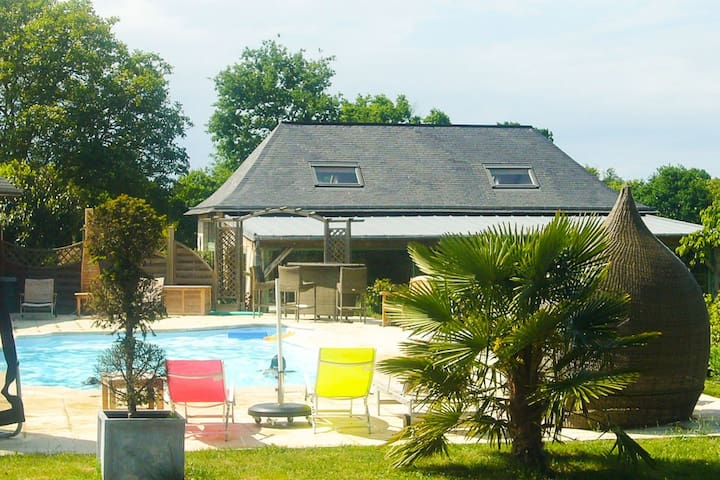 Villa 4 personnes avec piscine - Château-Gontier - Villa
