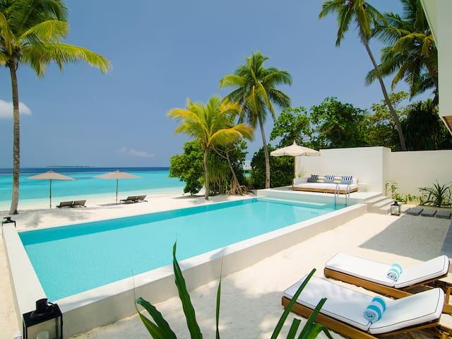 Beachfront Amilla - 4 bedroom villa residence 1, 4BR, Maldives w/ chef