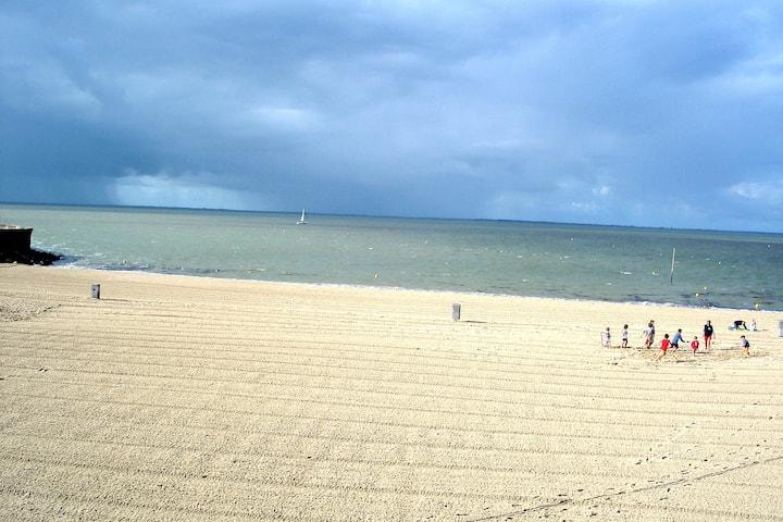 Jolie villa à 4 min à pied des plages