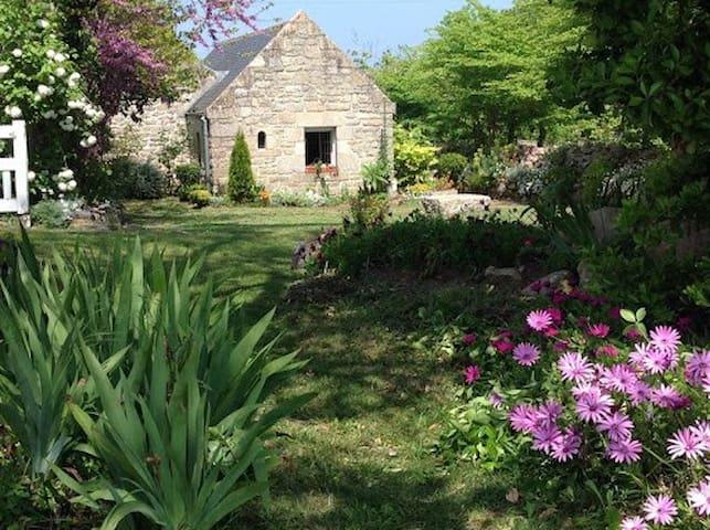 Tevenn Roz, maison  typique du Cap Sizun