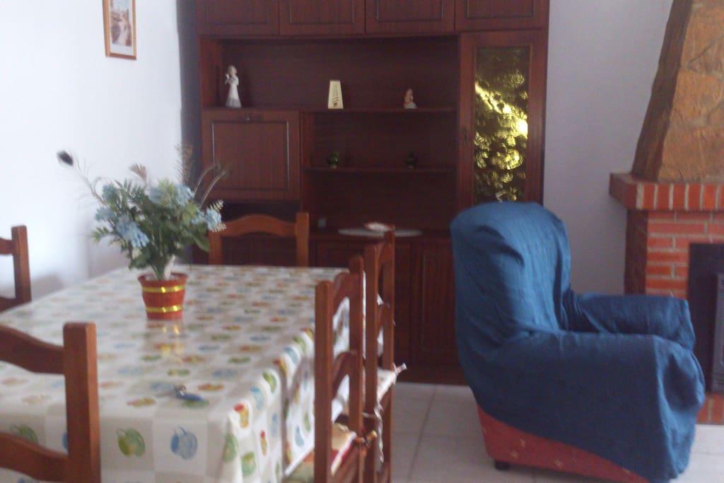 Mesa comedor del salon