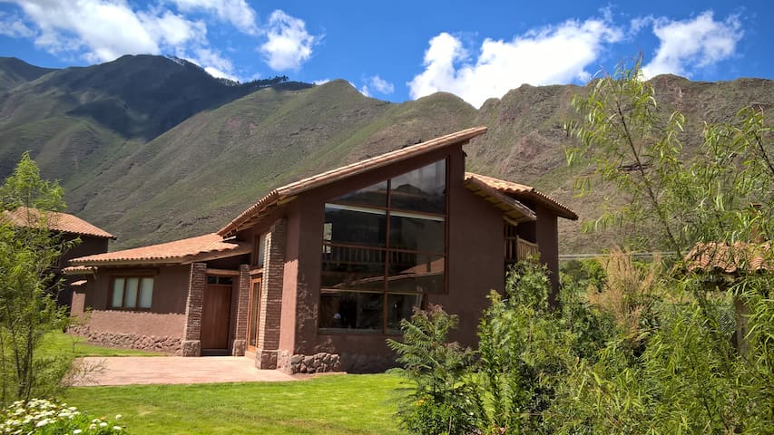 Nice House in exclusive condo. Sacred Valley Cusco - Urquillos - Hus