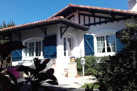 Villa Arcachonnaise, 2 ch., plage et port 500m - Gujan-Mestras