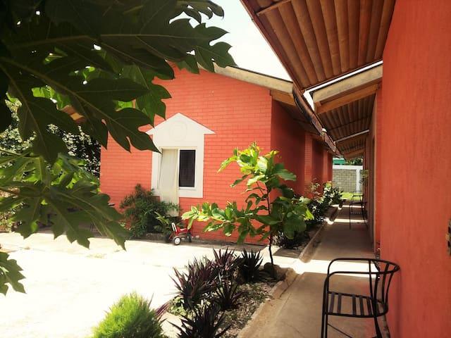 Habitacion privada en Hotel Villa de Flores - GT - Vila