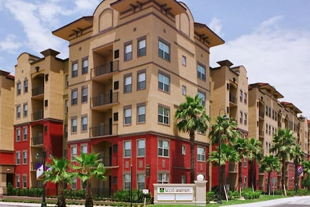 Apt. close to UCF and Orlando- Universal/Disney - Lakás
