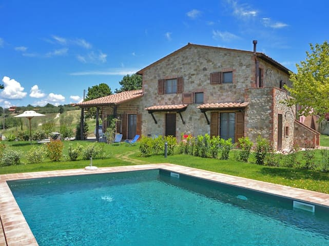Beautiful villa with pool and view - Castiglione del Lago