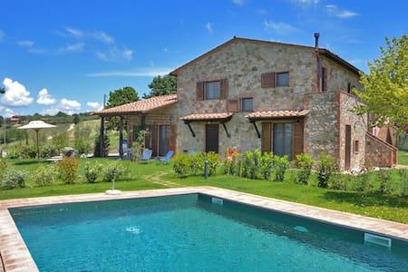 Beautiful villa with pool and view - Castiglione del Lago - Vila