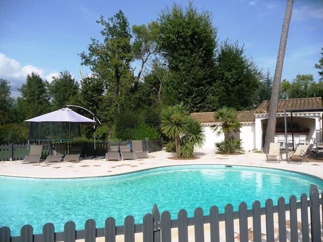 Lovely villa outbuilding with pool,sunny and quiet - Valbonne - Appartement