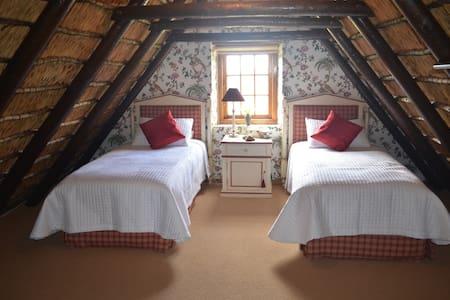 Wildepaardejacht - Italian Room - Paarl - Bed & Breakfast