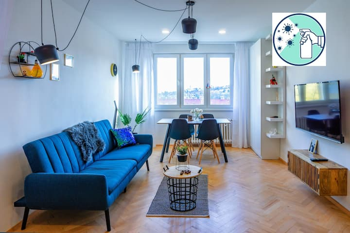 ★WOW 2BR, directly at metro Bořislavka, WiFi,Šárka