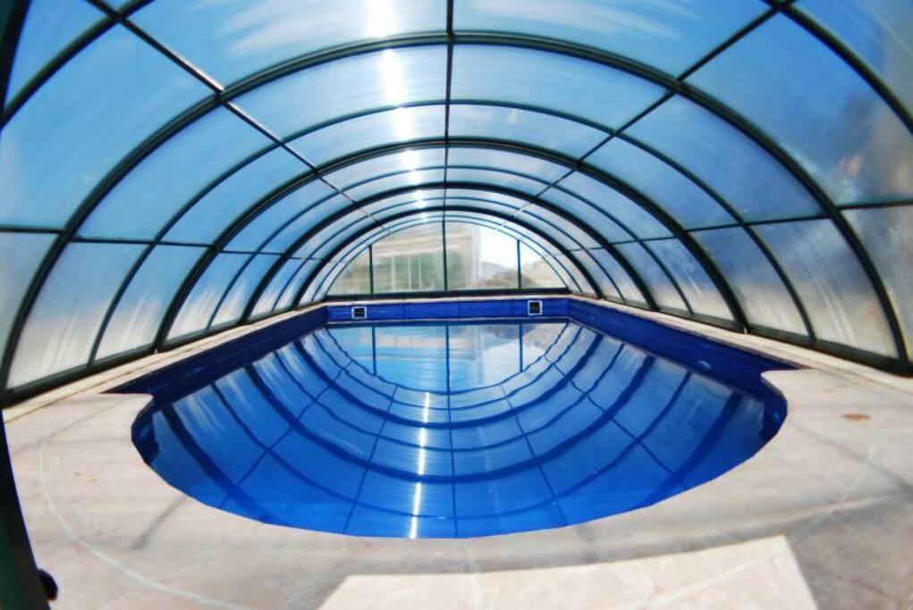 Piscina climatizada jacuzzi wi ff casas en alquiler en for Piscina climatizada granada