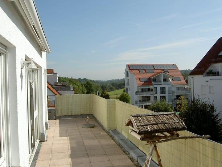 Sonnige Dachgeschoss-Wohnung mit großer Terrasse