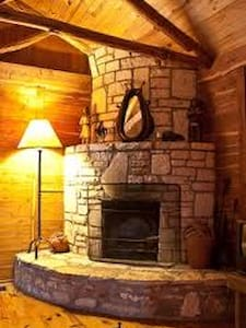 Cabin With a View - Wimberley - Bed & Breakfast