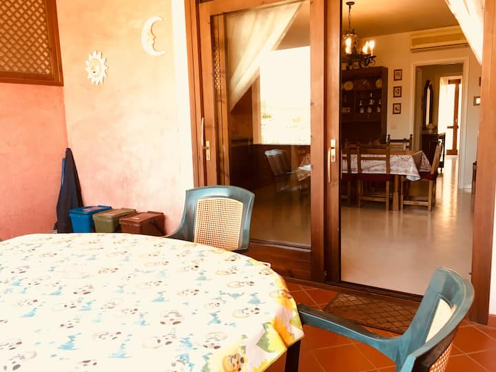 Appartamento con terrazza e A/C a Villasimius