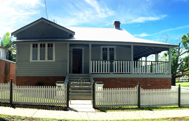Centrally Loacted Heritage Charm- Fully Air con - Grafton - Hus