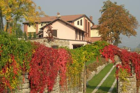 villa con giardino - Cantalupo Ligure