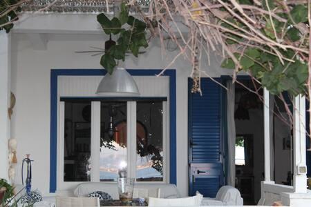 Splendida villa sullo stretto di Me - Messina